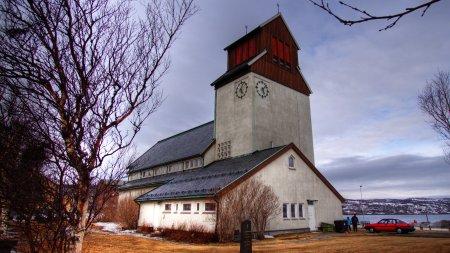 50D 09504 hdr Kirche Kirkenes gimp klein