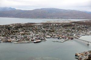 Tromsø, MS Polarlys und die Tromsøbrua
