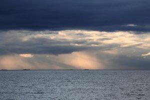Licht zwischen Kristiansund und Molde